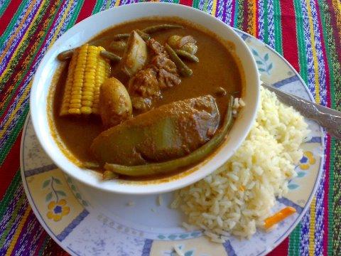 comida Pepian foto por Restaurante Bocabarra Zona 11 - 19 platos que debes probar en Guatemala