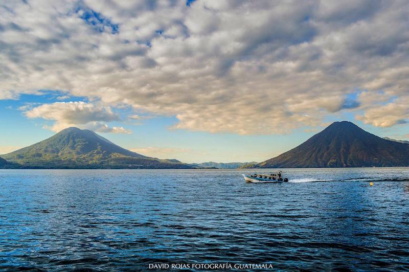 lago de atitlan 4 foto por david rojas fotografia - Leyendas sobre el Lago de Atitlán