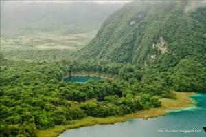cenote ownajab en huehuetenango foto por billy muncc83oz de acuarela chapina 300x199 - Las 8 regiones de Guatemala
