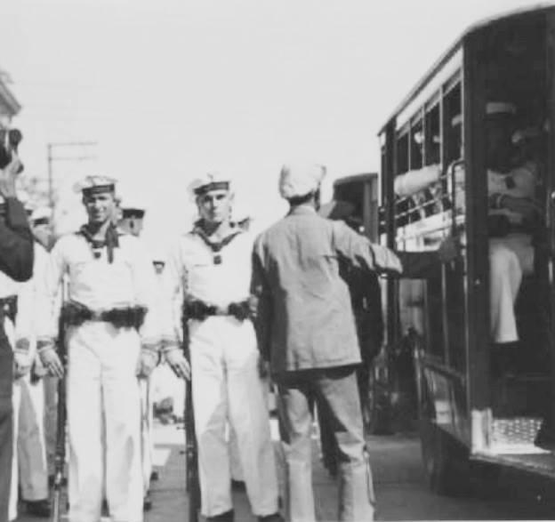 marineros del crucero emden en la ciudad de guatemala - El famoso crucero Emden en Guatemala en 1936