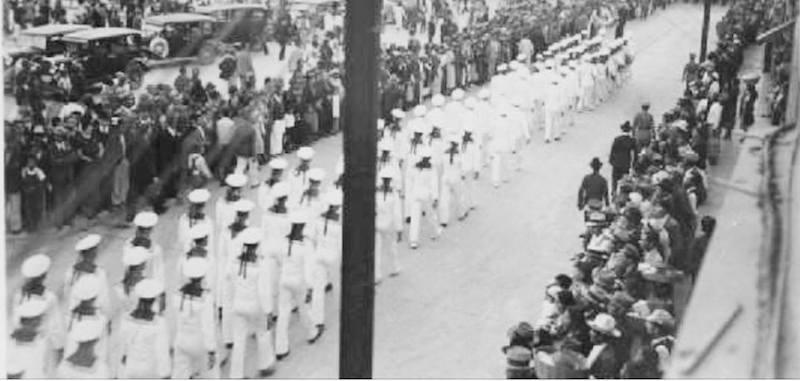Marineros del crucero Emden marcharon en la ciudad de Guatemala