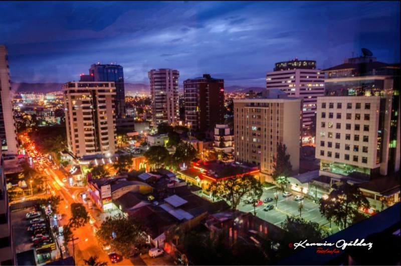 ciudad de guatemala 13 calle zona viva foto por kerwin ogaldez - 10 recomendaciones de TripAdvisor para la ciudad de Guatemala