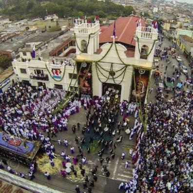 Salida de Cristo Rey Candelaria, ciudad de Guatemala - 5 foto por SkyCamGuatemala