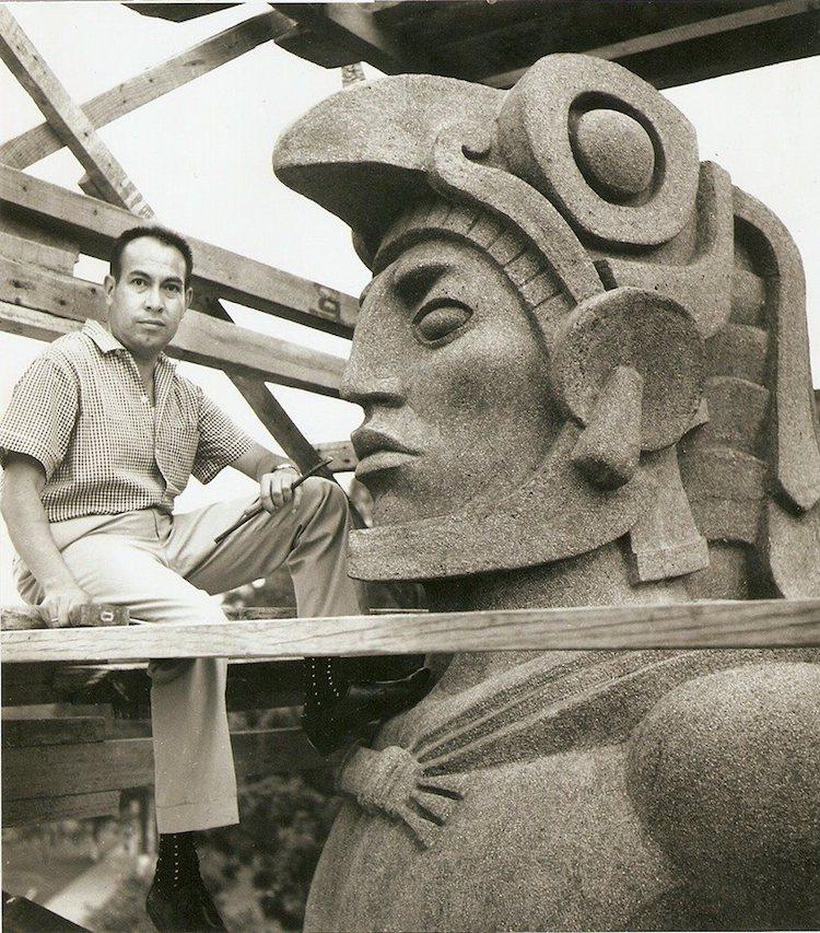 roberto gonzalez goyri 1924 2007 creador de la escultura de tecun uman de 6 5 mts foto proporcionada por jorge valenzuela - La verdad sobre Tecún Umán sigue en duda