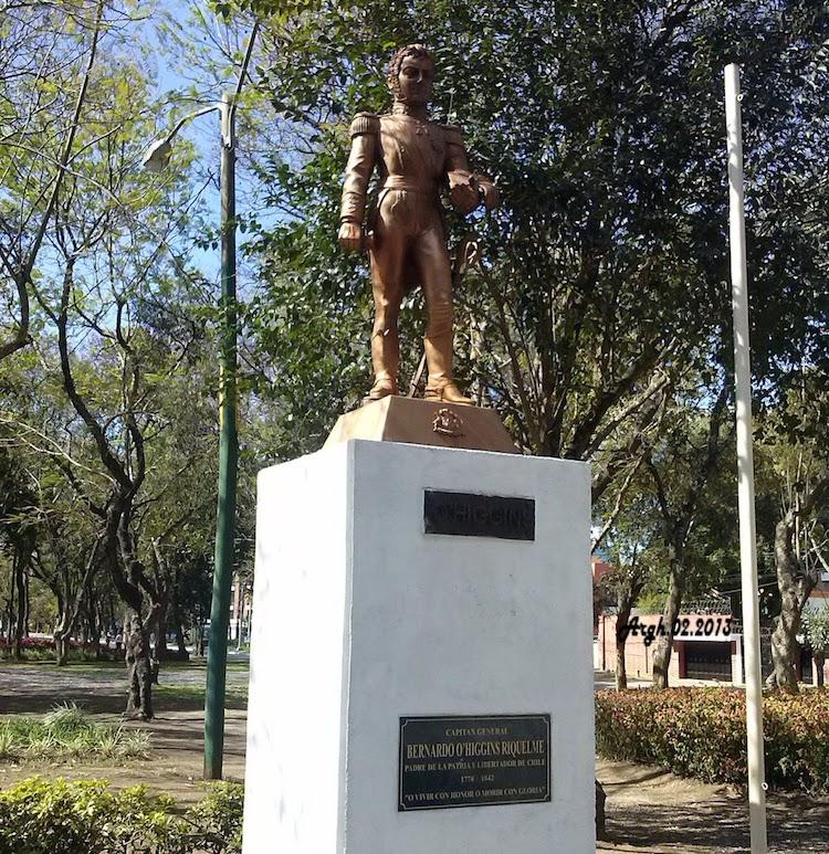 cam00120 - Monumentos en la Avenida de las Américas, ciudad de Guatemala