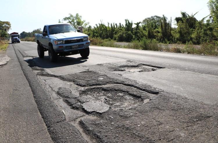 img 1212 - Toma tus precauciones, carreteras hacia el interior presentan daños - 2017