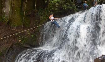 Rapell en cascada + pedaleo en las cascadas de Tatasirire