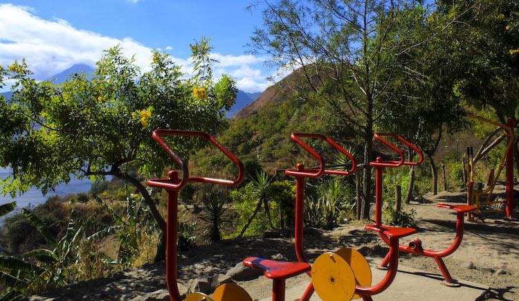 3 maquinas de ejercicio - Un recorrido por el Paseo del Lago Amatitlán