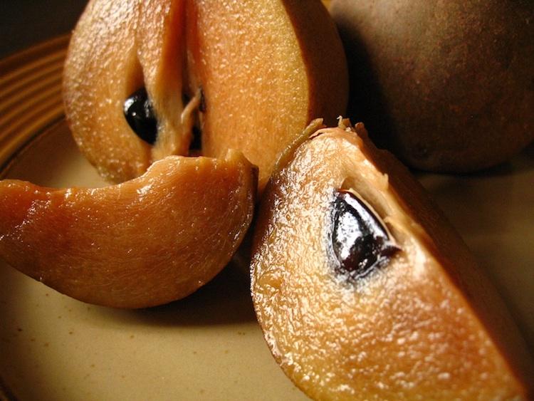 zapotes - 10 Frutos nativos de Guatemala