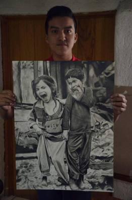 30725570 2055103814777924 5834658465401798656 n - Retratos idénticos de la mano de un joven chapín