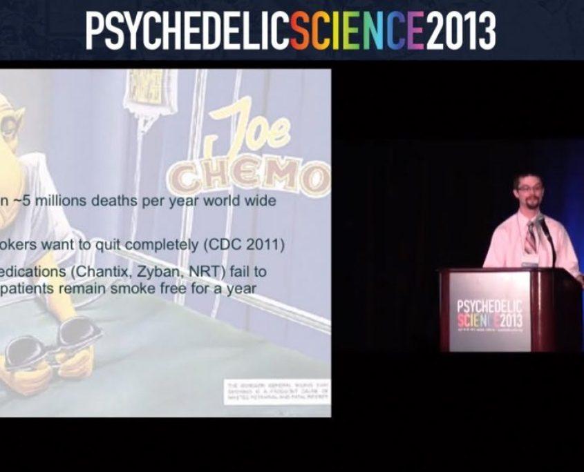 Matthew em apresentação no PsychedelicScience2013