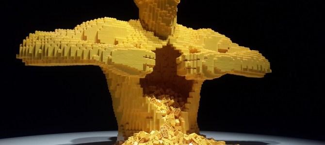 The Art Of the Brick – criativa e reflexiva exposição com peças de Lego!