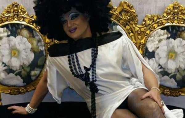 Drag Queens Lola Steam