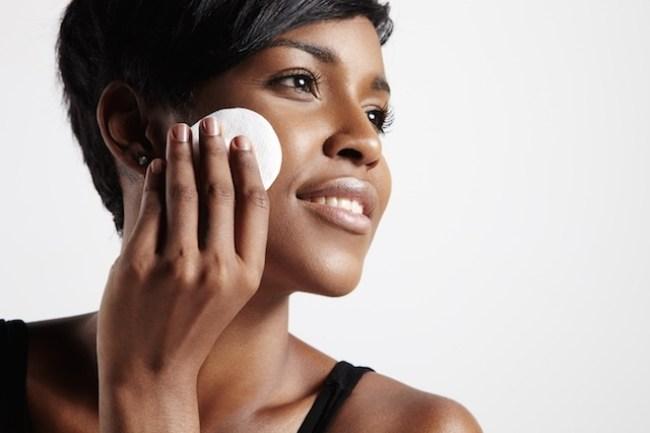 pele bonita 300x200 - Aprenda como cuidar da pele do rosto
