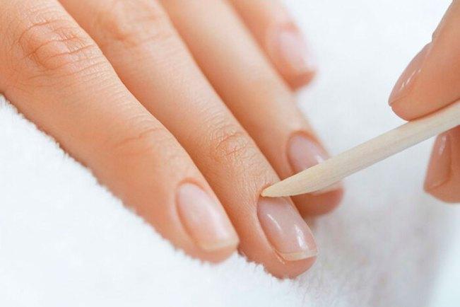 como tirar cuticula perfeita 300x200 - Curso de manicure e pedicure com Faby Cardoso