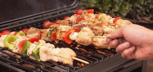 como fazer espetinho de carne para churrasco
