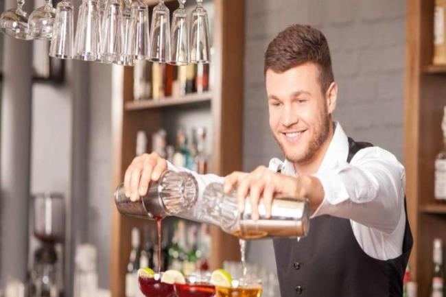 curso de barman online 300x200 - Curso de barman online faça receitas de drinks famosos