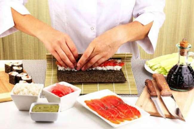 curso de culinaria japonesa 300x200 - Curso de sushiman aprenda como fazer arroz japonês