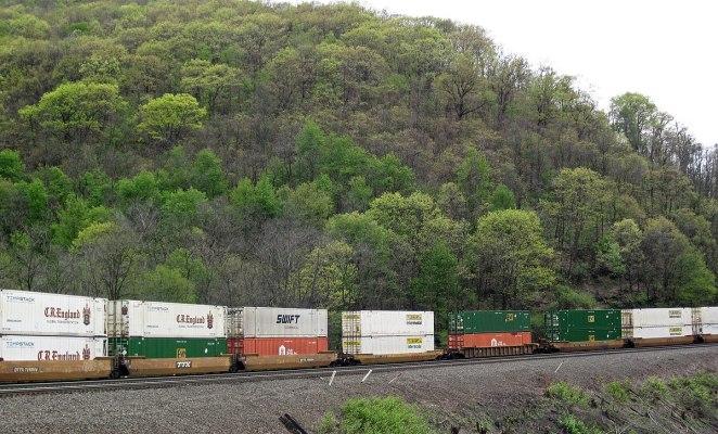 tren cargado producto