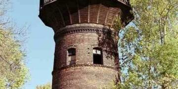 A torre de água abandonada