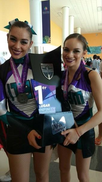 Eugenia de la Fuente y Ana Paola Fernández, integrantes de Cheerleading ITAM
