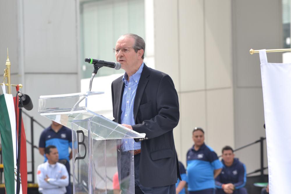 Ing. Juan Bordes de Grupo Bal en la inauguración de los Juegos Deportivos y Culturales Bal