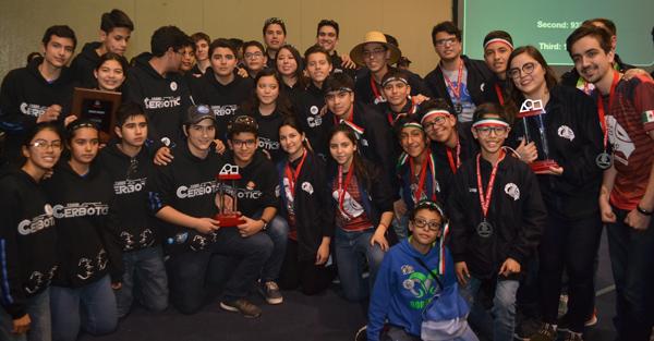 Cerbotics, ganadores del Judge Award en First Tech Challenge México. Foto: ITAM