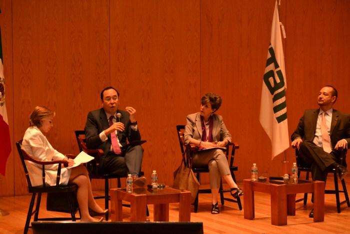 Ciro Murayama y Janine Otalora