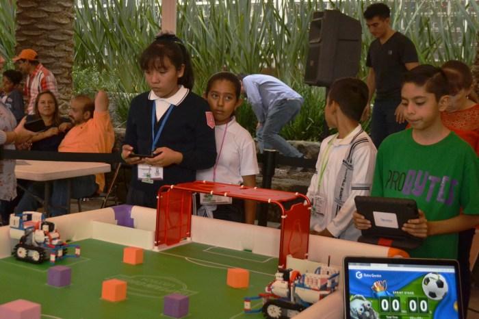 Se introduce a los jóvenes a la inteligencia artificial a través de la robótica