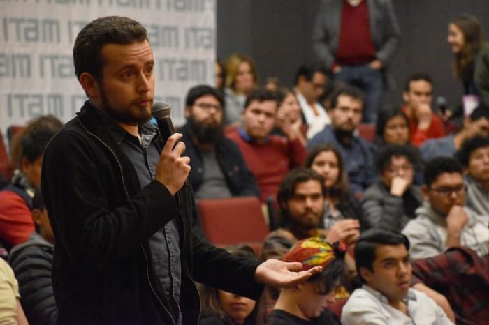 Los estudiantes tuvieron la posibilidad de expresar sus dudas y preocupaciones al rector.