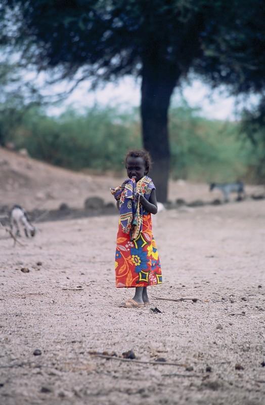 Niña Etiope - Canon EOS500N - Kodakchrome 100 día