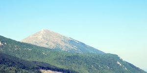 Los turistas del Armagedón Maya acuden al Monte Místico Rtanj en Serbia – 12 de diciembre 2012