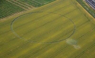 7 formaciones de Círculos de la Cosecha descubiertos en el Reino Unido e Italia – junio 2013