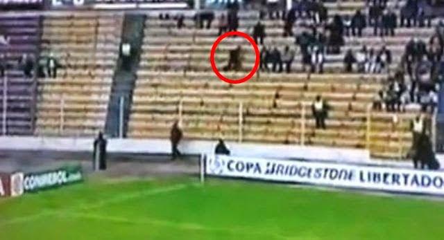 sombra fantasma' en el Estadio Hernando Siles de La Paz, Bolivia