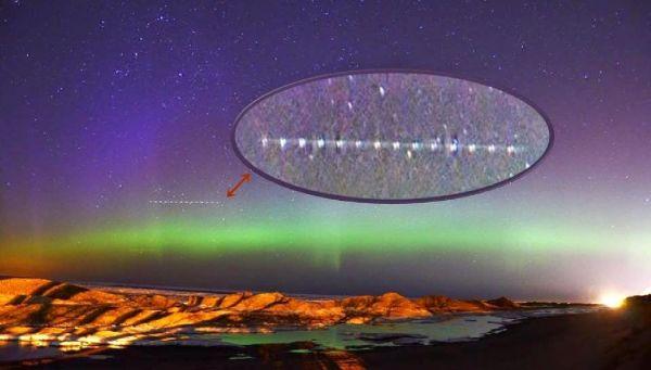 ¿Las cadenas de luces son enormes OVNIs?