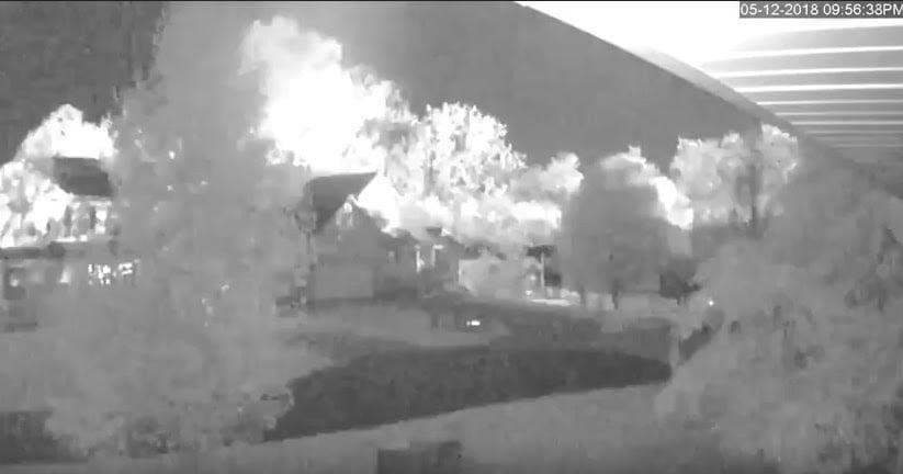 Misteriosos destellos y explosiones grabados en cámaras de seguridad de Ohio