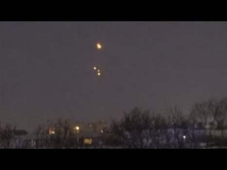 Extraños ovnis filmados lanzando orbes sobre San Petersburgo, Rusia 25-mar-2020