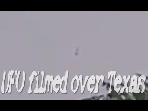 Dos orbes volando sobre Joshua, Texas 10-jul-2020