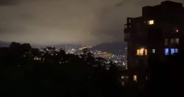 """Extraño sonido en el cielo de Medellín, Colombia proviene de """"algo que es invisible"""" (24 de agosto de 2020)"""
