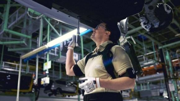 Ford Fabrica exoesqueleto