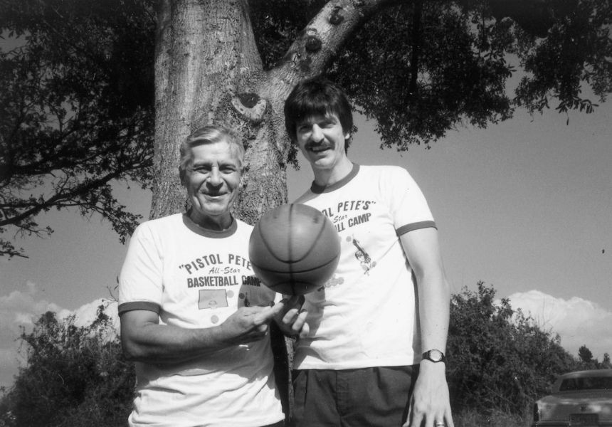 Pete y Press Maravich