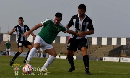 El Córdoba CF muestra su peor versión ante el Linense (2-0)
