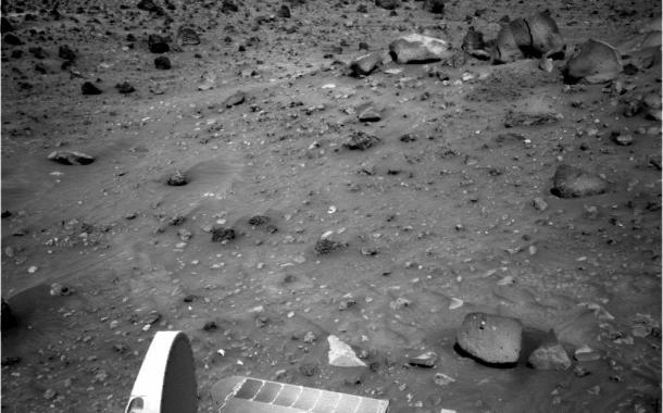 Extraño Objeto en Movimiento Fotografiado por NASA y el Rover Spirit en Marte