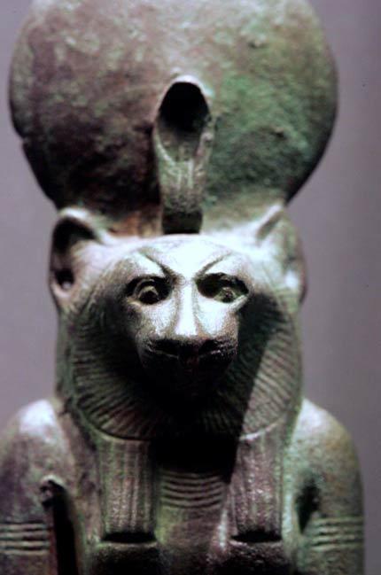 Wadjyet, Cobra Diosa, representado con cuerpo de mujer y cabeza de un león