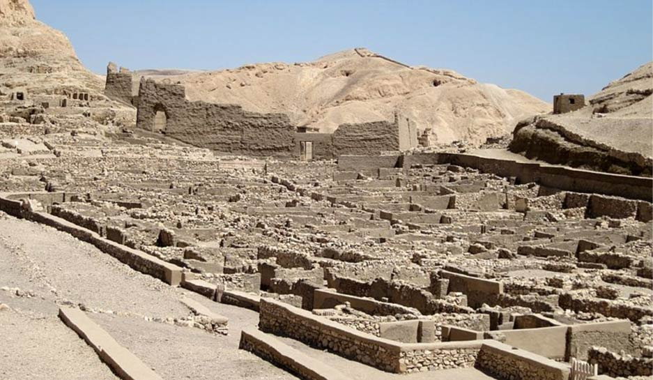 El antiguo pueblo de Deir el-Medina en Egipto