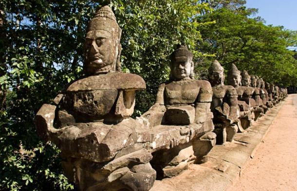 Calzada de Angkor Thom.