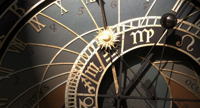 viaje en el tiempo, reloj astronomico