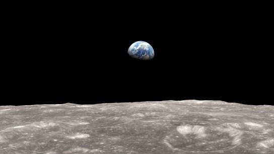 Real EXTRATERRESTRE captado paseando por la LUNA en Google Earth