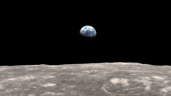 moon and earth lroearthrise frame 0 - Real EXTRATERRESTRE captado paseando por la LUNA en Google Earth