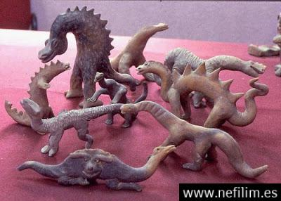 Acambaro185869 - La Atlántida era: Reptilianos comehombres y anunnakis